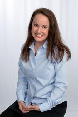 Headshot of Samantha Kelly
