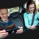 Preview for a Play Nintendo opinion poll on roadtrip partners. Original filename: <tt>1x1-Play_together_poll_1_OaryQlf.a25bebd1.jpg</tt>