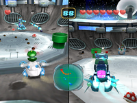 Screenshot of the duel in Lunar Outpost from Mario Party 5
