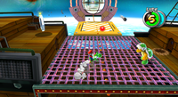 A screenshot of Mario and Yoshi fighting a Hammer Bro on an airship in Bowser Jr.'s Fearsome Fleet.