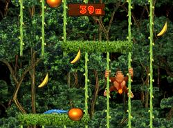 Gameplay of Donkey Kong in the 100M Vine Climb mini-game of Donkey Konga