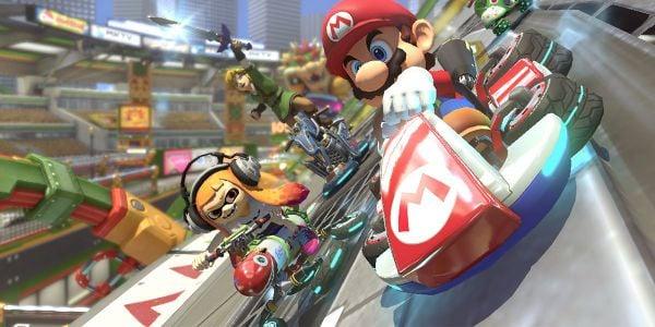 Banner for a Mario Kart 8 Deluxe Play Nintendo opinion poll. Original filename: <tt>2x1-MK8D_driver_poll.0290fa98.jpg</tt>