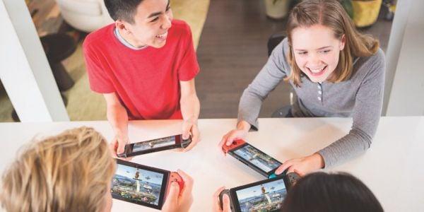 Banner for a Play Nintendo opinion poll. Original filename: <tt>2x1_1200x600_Poll-4024_v02.39ef4052.jpg</tt>