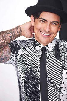 Photo of Robbie Daymond