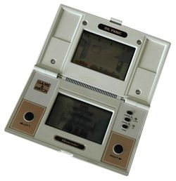 An image of the dual-screened Game & Watch game, Oil Panic.